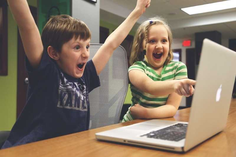 technology is harming our children Dr mary aiken is a pioneer and go-to expert of cyberpsychology, an emerging field which delves into the effects of technology on human behaviour as our li.