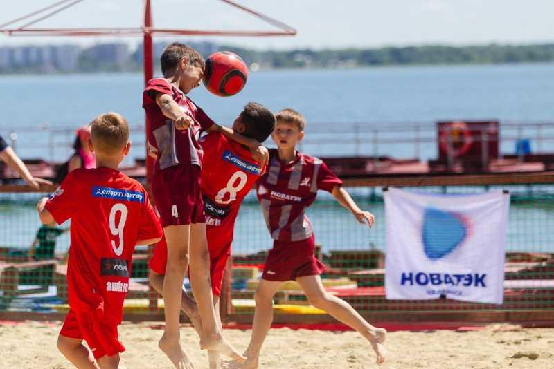 В Челябинске отметили Всероссийский день детского футбола