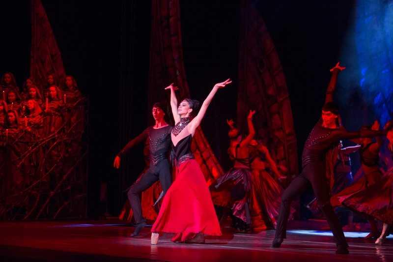 Москвичи скупили все билеты на балет челябинского театра