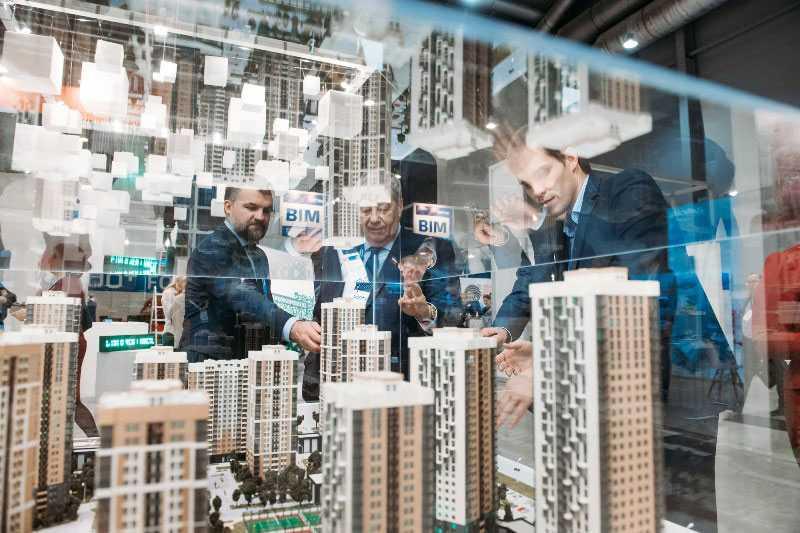 Города будущего построят роботы: новые технологии на 100+ Forum Russia