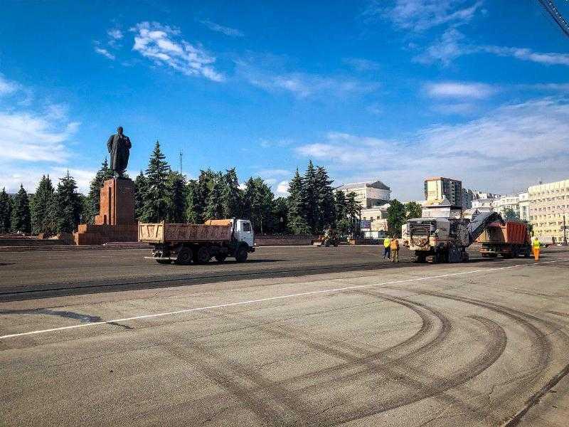 В Челябинске начался ремонт площади Революции