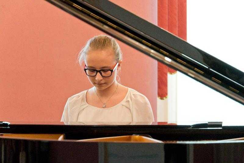 Фортепиано от президента поступят в школы на юге Челябинской области