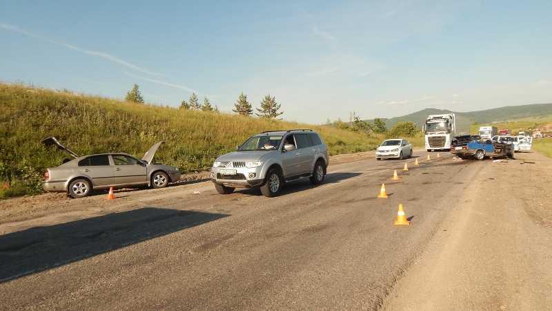 Девять человек пострадали в жуткой аварии под Ашой