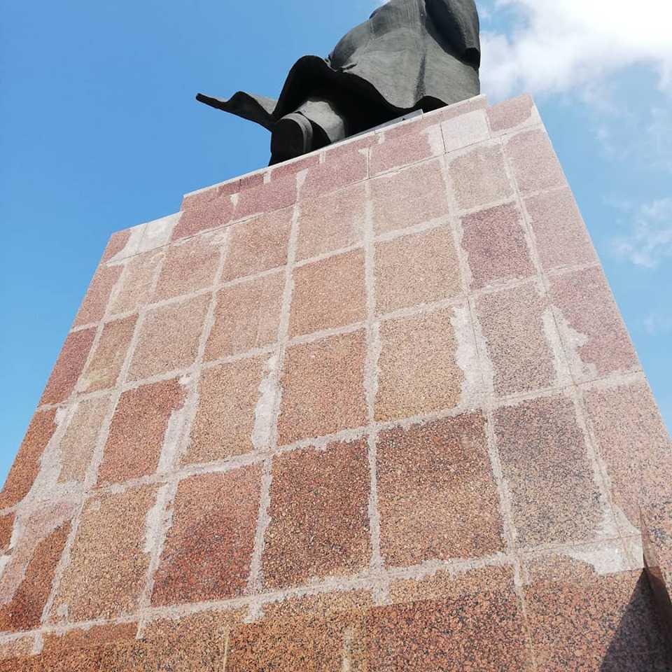 Памятник Ленину в Челябинске восстановят по гарантии